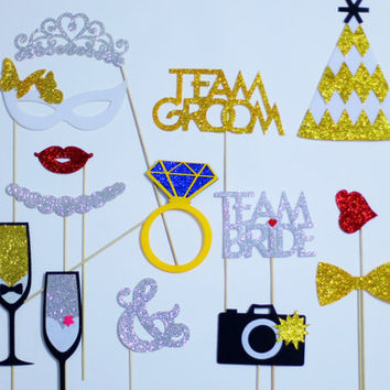 30 piece photo booth props wedding. FELT and GLITTER photo props by Minimun Studio