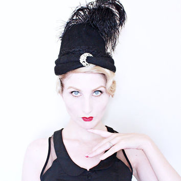 1930s VINTAGE Hat / 30s Hat / Crescent moon / Feathers / Arabian Nights / Tall crown / RARE
