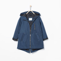 Waterproof hooded detachable raincoat with pockets