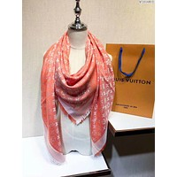 Louis Vuitton men and women fashion accessories comfortable cashmere scarf silk shawl size: 140 * 140