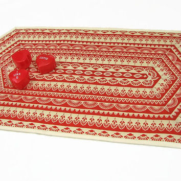 Small Valentine Table Runner, Quilted Lace Tablerunner