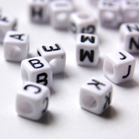 6mm Letter Beads - 200pcs Alphabet Beads - Cube Letter Beads - Letter Supplies - Making Jewelry Letter- White and Black Letter Beads ,Letter
