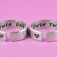 [♡036] Twin One/Twin Two - Hand Stamped Sisters Rings Set, Twin Sisters Matching Pair Rings