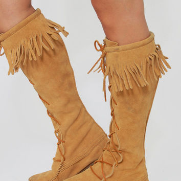Vintage 90s MINNETONKA Tall BOOT Camel Suede Leather FRINGE Lace Up Hippie Boot Size 6