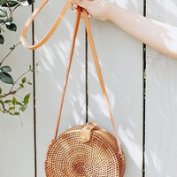 Circle Straw Crossbody Bag | Urban Outfitters Canada
