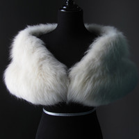 Ultimate Luxury Gift Or Wedding Bridal Accessories/ Hollywood Starlet Ivory Cream White Arctic Fox Fur Stole/Cape Wrap Shrug Shawl