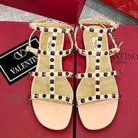 Valentino flip flop rivet Sandals Sexy lines Pink