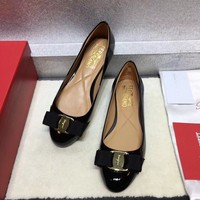 Ferragamo flat shoes in high heels ribbon bow patent leather cowhide shallow mouth round head shoes black Heel height 0.6cm