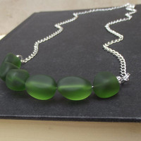 Emerald Green Sea Glass Necklace:  Bottle Green Curved Bar Chunky Beaded Necklace, Beach Wedding Jewelry