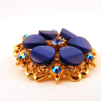 Thermoset Lucite Rhinestone Flower Brooch Gold Pin