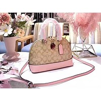 Coach stylish ladies print one-shoulder bag strawberry shell shopping bag Pink