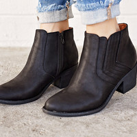 Easton Leather Bootie -Black