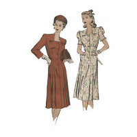 1940s Square Neckline Dress Hollywood 1991 Bust 32 Vintage Sewing Pattern Puffed Sleeves, Pleats and Lace Detail