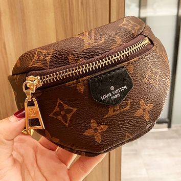 Louis Vuitton LV Hot Sale Personality Super Mini Clutch Bag Wallet Lipstick Purse Wrist Bag