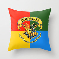 Harry Potter-Hogwarts I Throw Pillow by IIIIHiveIIII | Society6