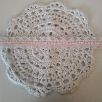 delicate pearly lace choker