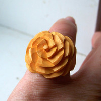 Vintage Carved Bakelite Ring Butterscotch Flower Rose Size 5