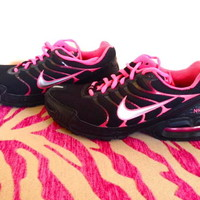 Women's Neon Pink and Black Nike Athletic Shoes Sz: 7