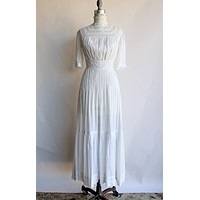 Antique Edwardian White Dress In Cotton and Lace