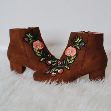 Rory Embroidered Patch Suede Booties (Tan)