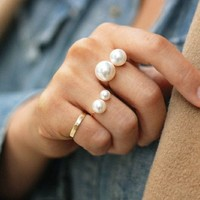 Pearl ring adjustable ring 15010124 by CHIQ CLUB