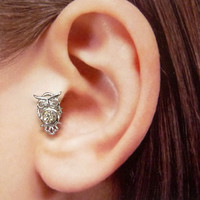 Silver owl w/clear crystal Ear Cuff, Nose cuff, Tragus cuff, owl ear cuff, Silver ear cuff,  Non Pierced Nose Ring, Cartilage, Fake piercing