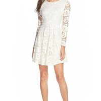 Junior Women's Everly Long Sleeve Lace Dress,