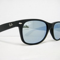 Cheap Ray Ban New Wayfarer RB2132 622/30 Black/Silver Mirror 55mm NEW AUTH SUNGLASS