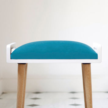 NEW !! Stool / Seat / stool / Ottoman / bench in white lacquer and oak legs, turquoise