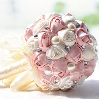 2016 Bridal Bouquet D205 Crystal and pearl Wedding Bouquet artificial flower rose bouquet Three kinds of color can choose