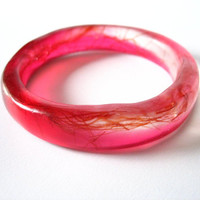 Narrow cherry pink rani resin bangle bracelet jewelry , cherry pink natural tree gum resin , resin bangle bracelet jewelry , natural women