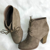 SZ 10 Modern Fairytale Taupe Suede Bootie