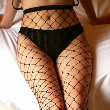 Retro-old small net trousers with holes