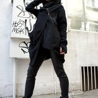 Asymmetryc Extravagant Black Hoodded Coat / Qilted Cottom