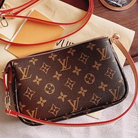 Inseva Louis Vuitton LV Classic printed letters ladies diagonal cross-body handbag shoulder bag