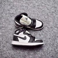 Best Deal Online Nike Air Jordan Retro 1 High OG Kid Basketball Shoes for Youth Boys and Child