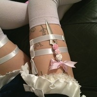 FADE TO PINK GARTER KNIFE