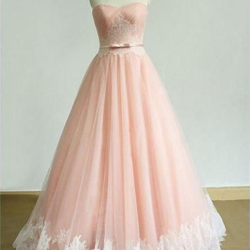 Sweetheart Strapless Tulle Prom Dresses