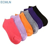 Women Cotton Ankle Socks In Solid Colors