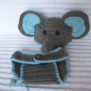 Ravelry: Ellie The Elephant Baby Booties pattern by Olivia Kent | 354x354