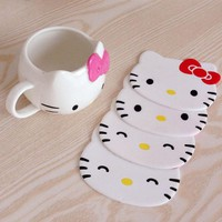 1PCS Hello kitty Silicone Cup Pads Dining Table Placemat Coaster Kitchen Table Accessories Mat Cup Bar Mug E1