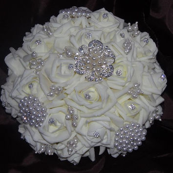 25% off Made to Order Real Touch Roses Bridal Brooch Bouquet, Pearl Wedding Flowers,Bridesmaid's bouquet, No deposit,