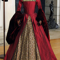 """Costume from """"The Other Boleyn Girl"""" 