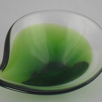 Beautiful Scandinavian style teardrop art-glass bowl. Green to clear art glass bowl in teardrop form. Quality vintage home decor