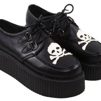 Lace Up Flatform Shoes with Skull Print