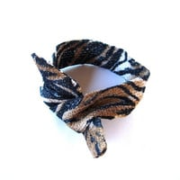 Fabric Bun Wrap Top Knot Tie Wired Hair Accessory for Buns or Pony Tails Bun Wire Wrap Tiger Stripes Black Brown White
