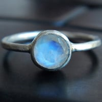 Rainbow Moonstone and Sterling Silver Ring - Moonstone Ring - Round Stone Ring - Gift for Her - Gift for Daughter - Gift for Girlfriend