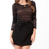 Fitted Zigzag Lace Top