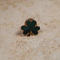 Green Clover Shamrock Vintage Tack Pin Brooch Lapel Pin Enameled Gold Tone Hallmark Cards Retro Jewelry Saint Patricks Day