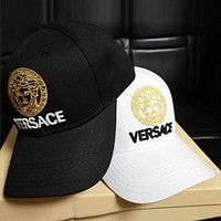 Versace  Embroidered duck tongue hat